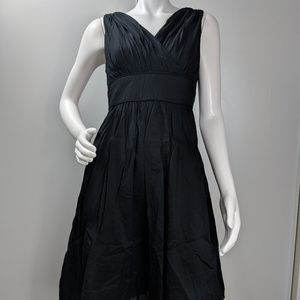 WHBM dress vneck fit n flare lined size 6 1659